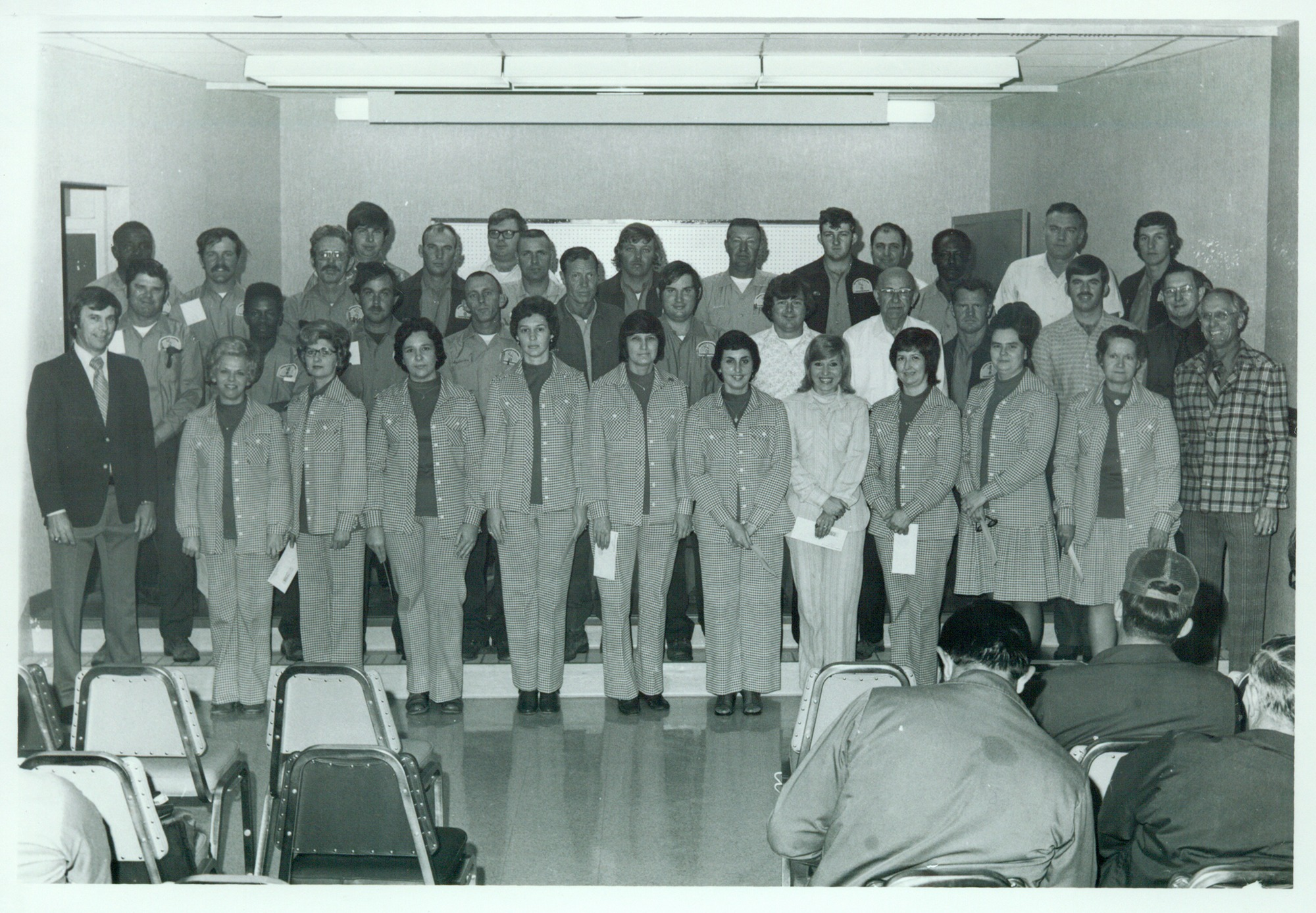 Old picture employees 1970